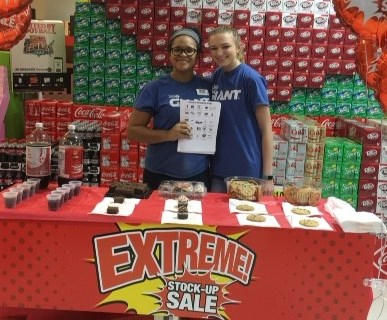 Celebrating The Extreme Stock-up Sale And Engaging Customers At The Warminster, PA, Giant