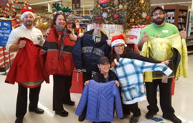 Kennett Square, PA, Giant Store 6105 Held A Coat Drive And Contributed To Students At Kennett Middle School And La Communidad Hispana