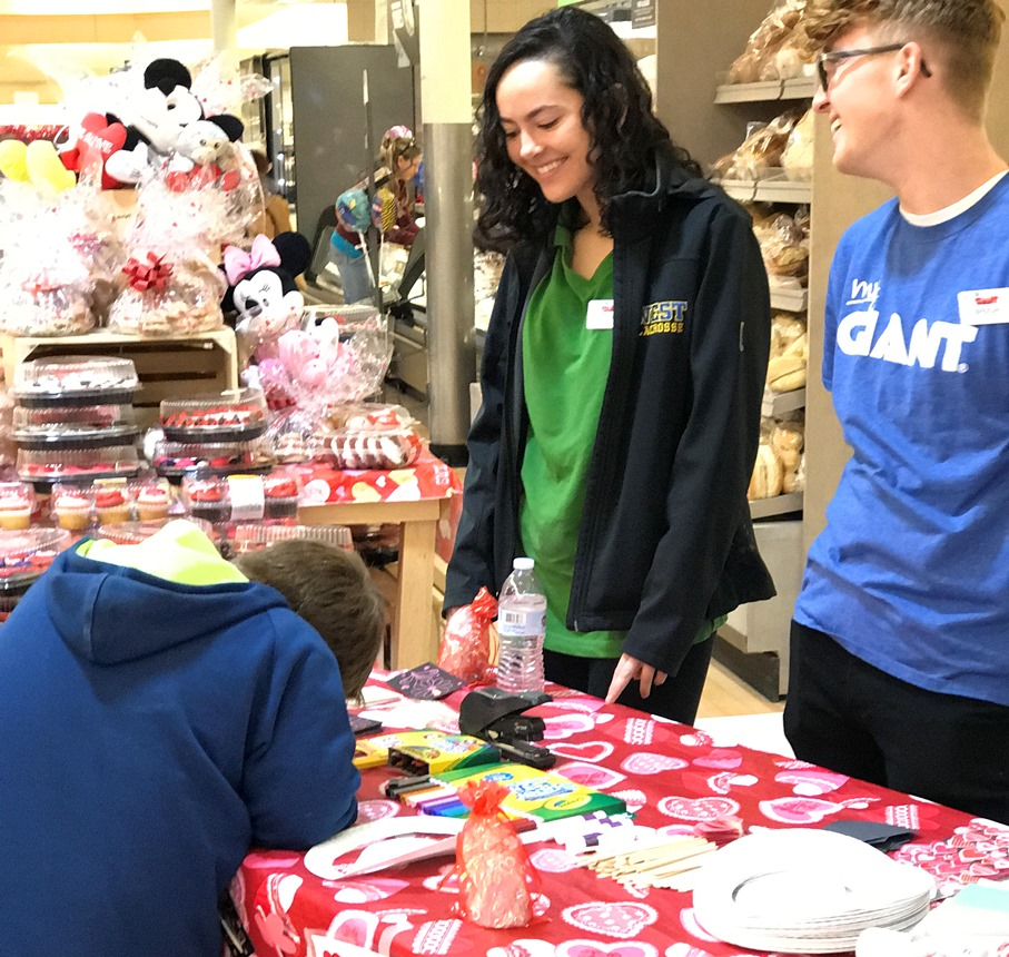 Lionville, PA, Giant 6478 Hosted A Valentine's Day Extravaganza Full Of Crafts And Snacks For Children!