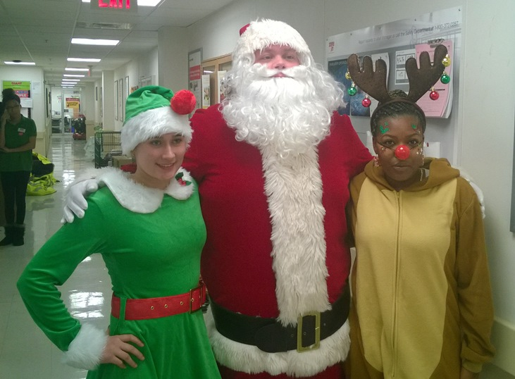 Santa Visits The Allentown, PA, Giant Store 6074
