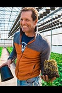Fresh Stories: Spring Flowers From Dan Schantz Farms