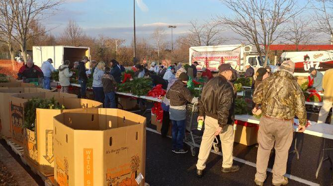 Volunteers Assemble Wreaths In The Parking Lot Of The Gettysburg, PA, GIANT