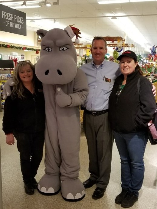 The New Hope Giant Teamed Up With River Horse To Raise Funds For Our Local Food Bank This Holiday Season At Our Hippos For The Holidays Event! Pictured From Left To Right Are Floral Lead Christine, River Horse's Brewtus, Store Manager Jeff Carney And Bakery Manager Fatima.